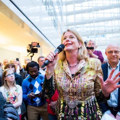 Sing for the new mayor of The Hague