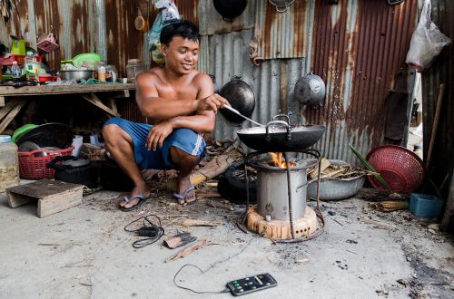 A stove to cook healthily and to reduce carbon emissions
